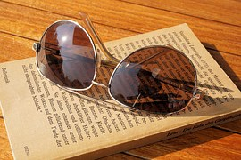 sunglasses-1534892__180